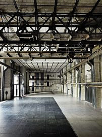 Eventlocation-Industrie-ewerk-Berlin-Halle F-Blick Ost-hoch